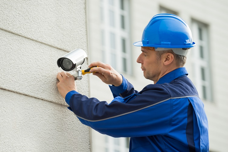 What does a CCTV electrician do for their clients?