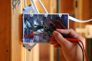 Why you should hire a commercial electrical contractor?