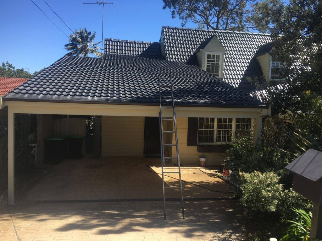 How to find a trustable roof repair contractor in your local area?