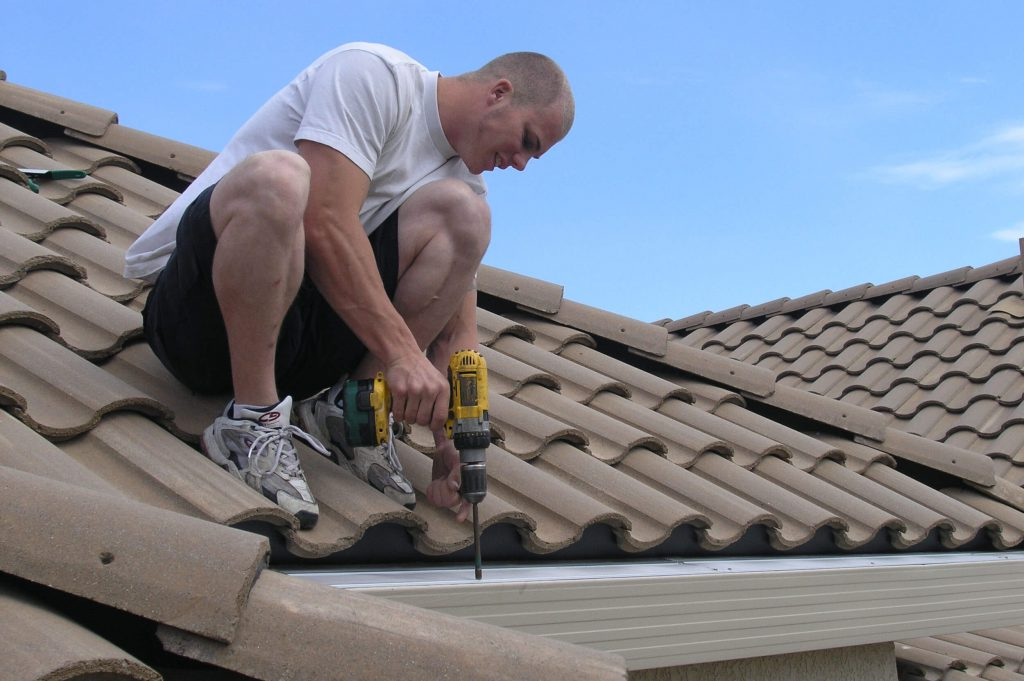 Facts on hiring the gutter cleaning experts